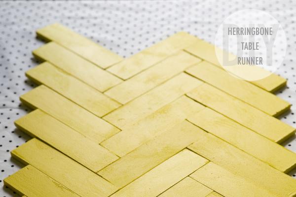 diy-paintstick-tablerunner-001