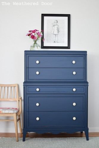 thomasville-stacked-hepplewhite-dresser-in-navy-wd-1-333x500.jpg